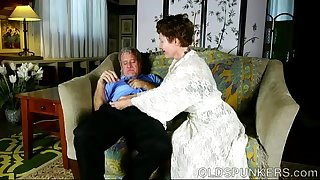 Super lovely older lady loves to deepthroat shaft and eat cum