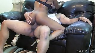 Puny Ebony Spinner Gets Frosts By BBC ft Mr Plus 1