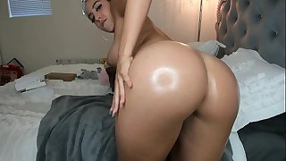 Showing off Her Fat ass and Toying