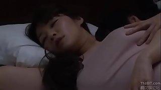 my mom is sleeping.. see full at http://vnurl.xyz/HjYtCirAA