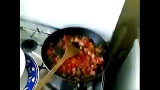 Desi bhabhi sucking while cooking