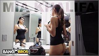 BANGBROS - Mia Khalifa Is Back and Prepared For Asante Stone's Big Black Dick!