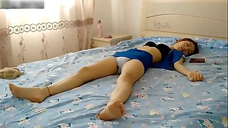 Chinese couple fuck in home
