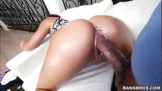 MediaDropBox.com Thot Getting Her Pussy SLAYED!